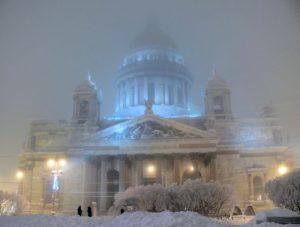 В Питере зимой влажно